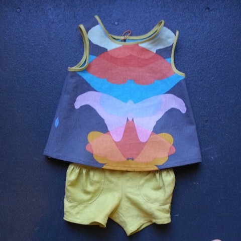 Green Bee Iris Tank with Oliver + S  Puppet Show Shorts